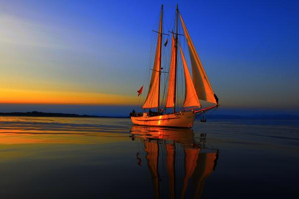 sunset-sailing